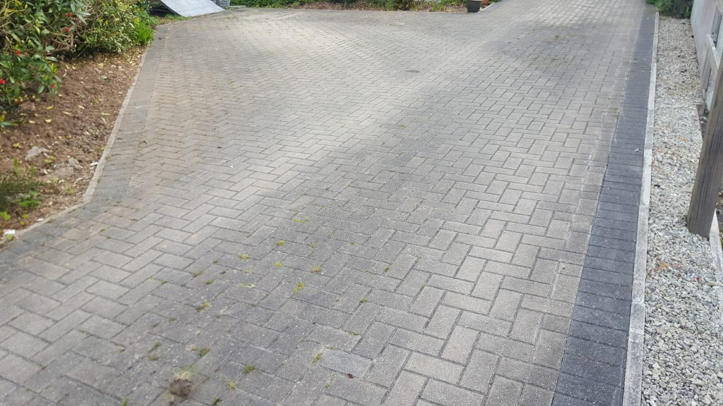 block paved Driveway Cleaning before